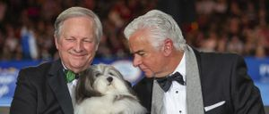 David Frei and John O'Hurley at the National Dog Show with Bono the Havanese.